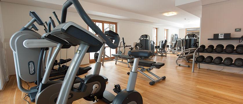 Q Resort Health & Spa, Kitzbühel, Austria - gym.jpg